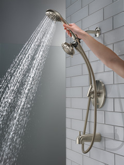 P18437-BN_MODEL_WATER_01_WEB.jpg