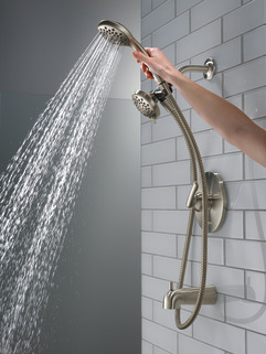 P18437-BN_MODEL_WATER_02_WEB.jpg