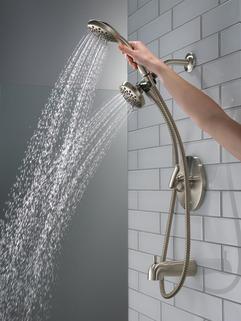 P18437-BN_MODEL_WATER_03_WEB.jpg