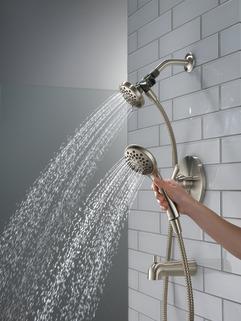 P18437-BN_MODEL_WATER_04_WEB.jpg
